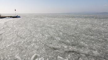 Nem javasolt a Balaton jegére menni