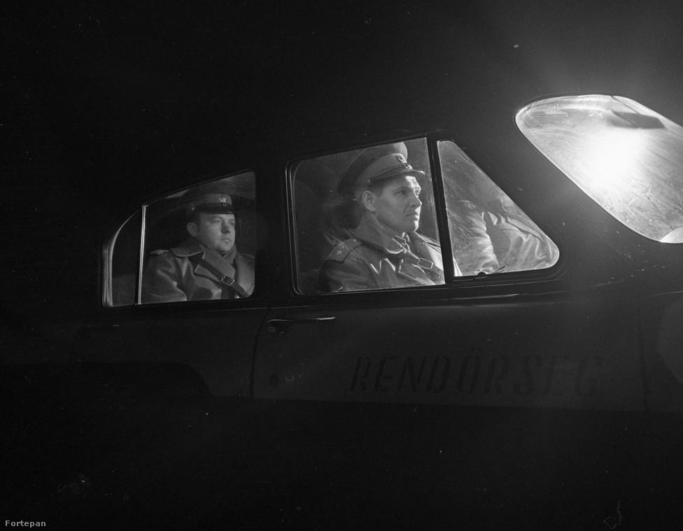 Ez a fotó is a Kis Rabló előtt készült ugyanazon a járőrözésen, pedig akár egy filmforgatás is lehetett volna.