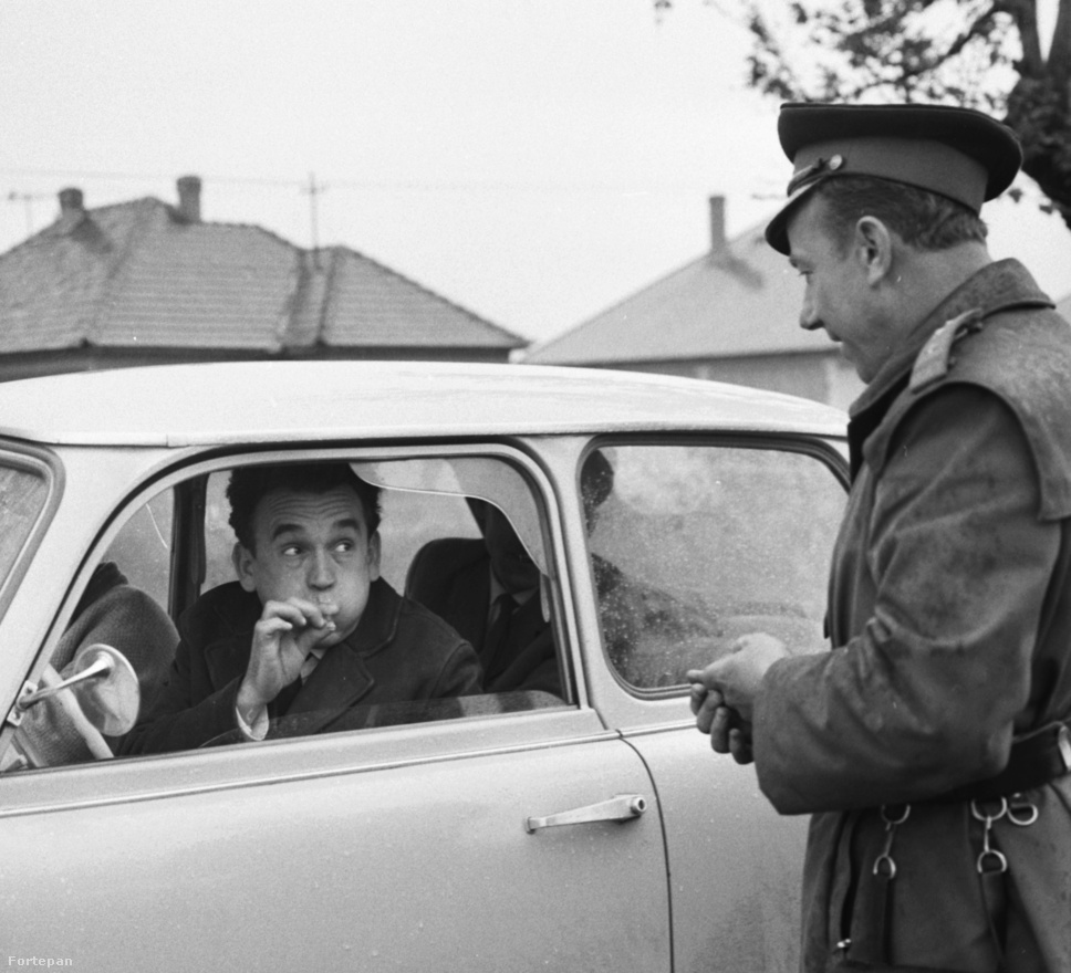 1967-ben is komikus volt a szondát megfújni. Akkoriban a közúti ellenőrzéseken a Pluralcol nevű szondát használták, ami egy kicsi üvegcső volt. Beke Béla fotós májusban örökítette meg ezt e jelenetet.