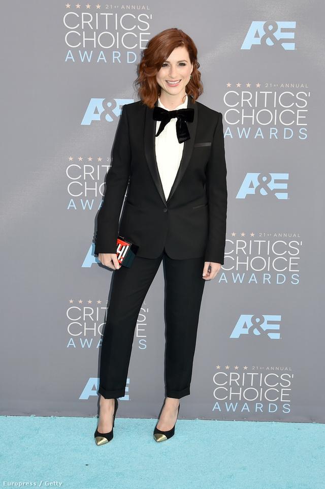 Aya Cash színésznőt nem tiltották ki a Critics' Choice Awards-ról a szmoking miatt.