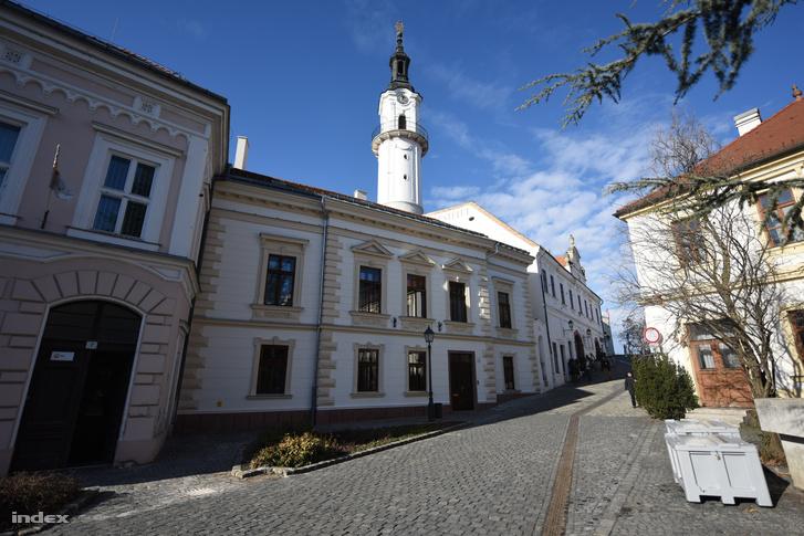 Simicska Lajos veszprémi háza.
