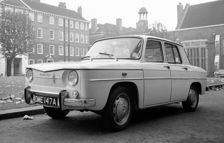 Ez lett a Renault R8-as 1962-ben. Ugye, hogy ugyanolyan?