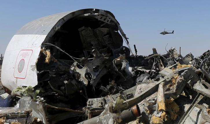 Az Egyiptom felett felrobbant orosz gép roncsai