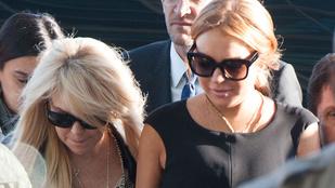 Lindsay Lohannak igen sajátosan hiányzik az anyja