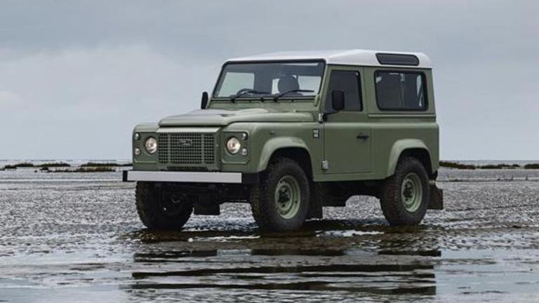 Mégsem szűnik meg teljesen a Land Rover Defender gyártása?
