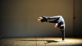 Táncos, performatív előadásokat várnak Berlinbe