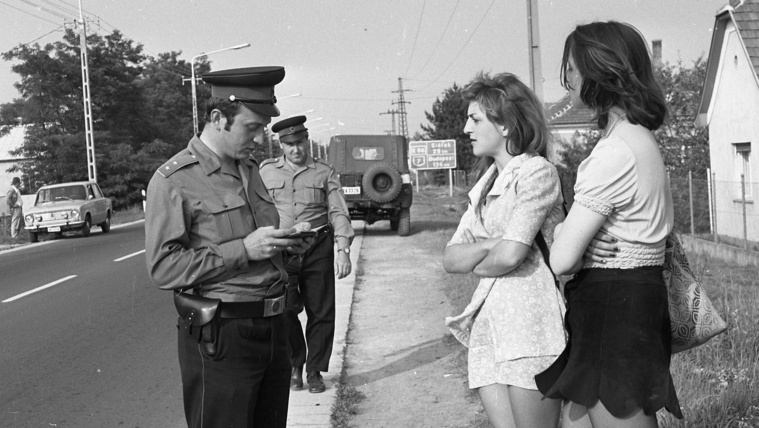 Az önkéntes rendőr ahol tud, segít, ahol nem akarják, ott is
