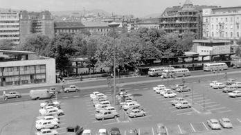Amikor még az Erzsébet téren is lehetett parkolni