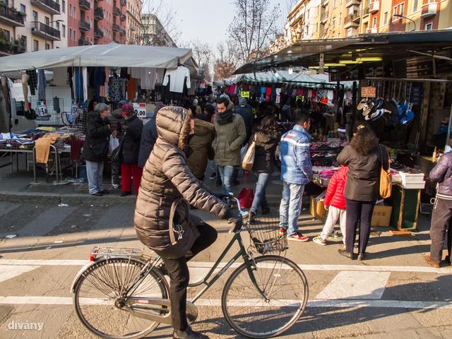 Ha szombaton látogat Milánóba, a templomlátogatás előtt vagy után érdemes elsétálni a Viale Papininanóra, ahol ilyenkor piac működik.