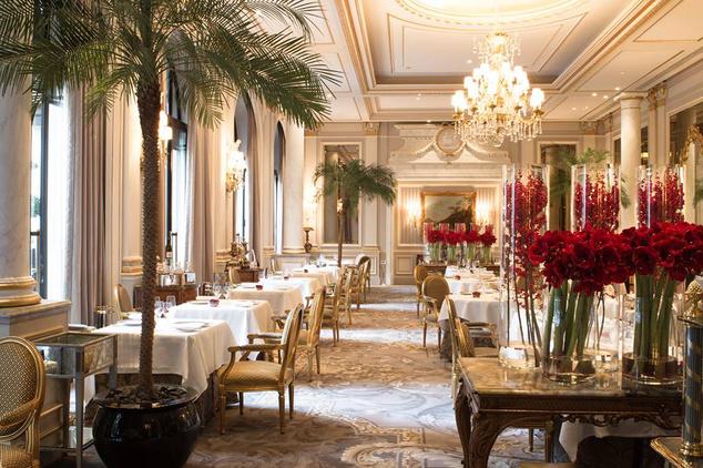 A másik párizsi szálloda három Michelin-csillagos étterme