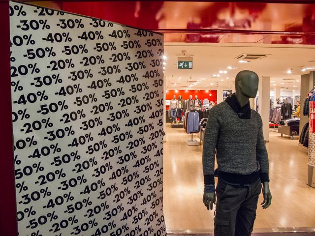 Kezdjük a vásárlást a Celióban, ahol csak férficuccokat lehet kapni!