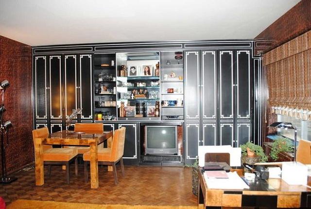 Sokan állítólag a bútorok és a tapéta miatt érdeklődnek a lakásért.