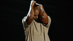 Az nem úgy van, hogy Kanye West maga hívja a liftet