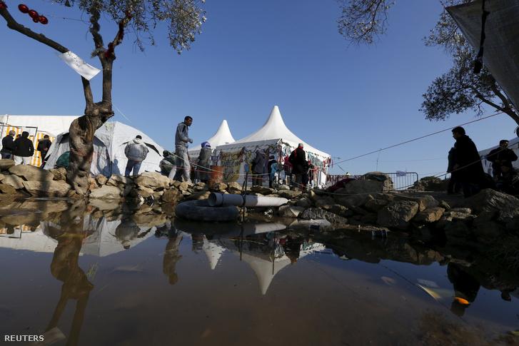 Afgán menekültek Leszboszon