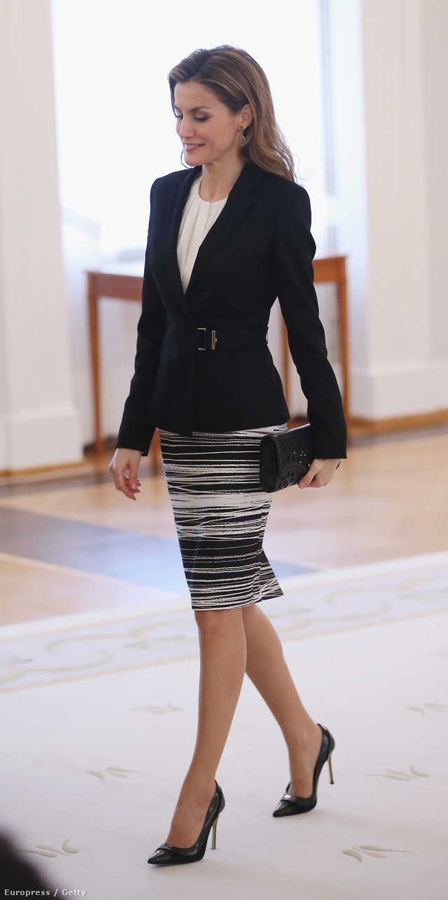 Queen Letizia of Spain attends a pressconference with her husban