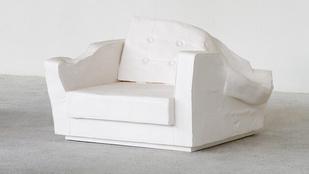 Erwin Wurmnál Freddy Kruger és a kanapé találkozik a boncasztalon