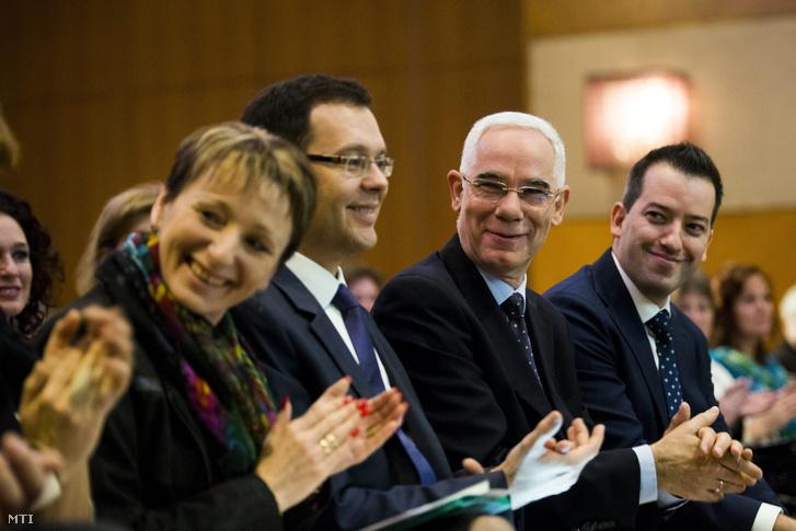 Czunyiné Bertalan Judit, Balog Zoltán miniszterrel a Versenyképes Oktatás rendezvényen 2015. november 19-én.