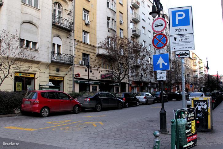 20160207 Tompa utca parkolas 1