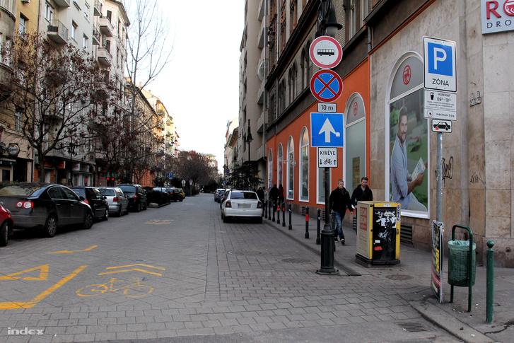 20160207 Tompa utca parkolas 3