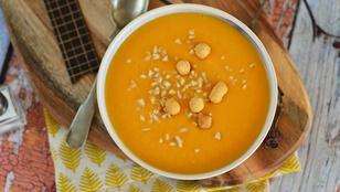 Egyszerű levesek: kókusztejes sütőtökkrémleves
