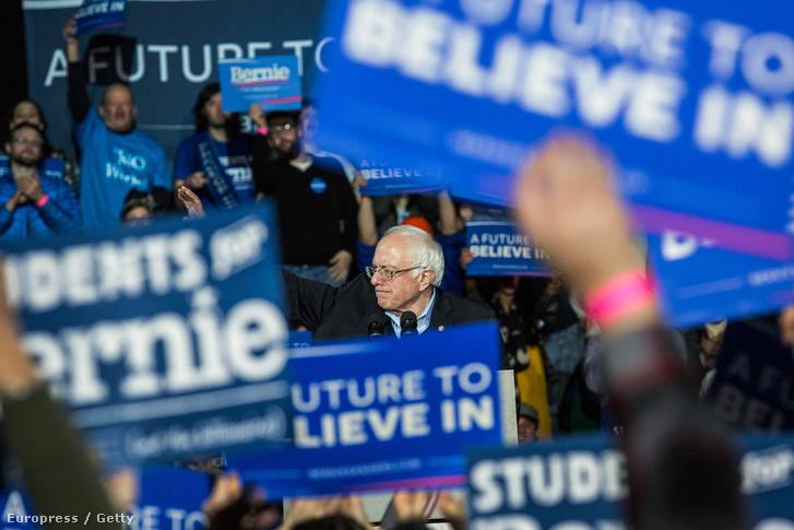 Bernie Sanders New Hampshire-ben kampányol, 2016. február 8-án