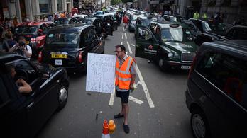 A londoni taxisoknak nem kell az Uber békeajánlata