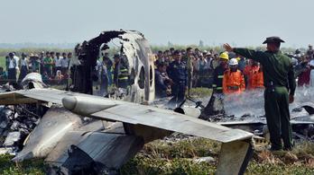 Lezuhant egy katonai repülő Mianmarban