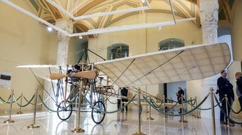 Legendás ősrepülőgép. Magyar készítés. Szállni fog!