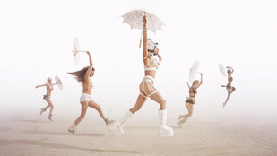 Mozgó fényképeket mutatunk a tavalyi Burning Man fesztiválról