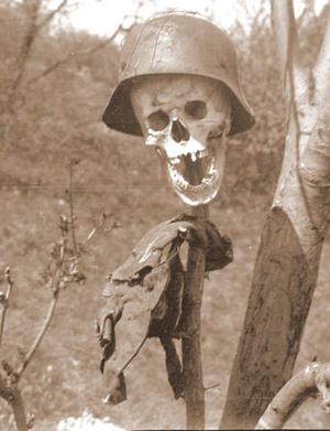 Botos Lajos felvétele 1945 nyarán a budai hegyekben.