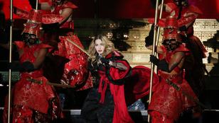 Csoda, hogy Madonna kiszabadult a fátyol fogságából