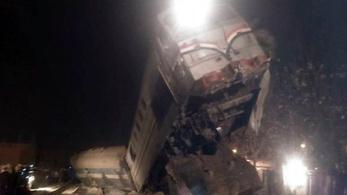 Durva vonatbaleset Egyiptomban