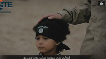 Négyéves gyerekkel gyilkoltat az Iszlám Állam
