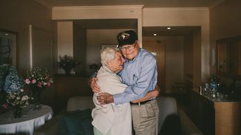 Hetven év után találtak egymásra a szerelmesek