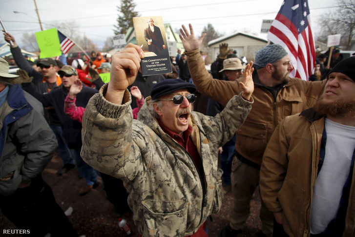 Tüntetők Oregonban február 2-án
