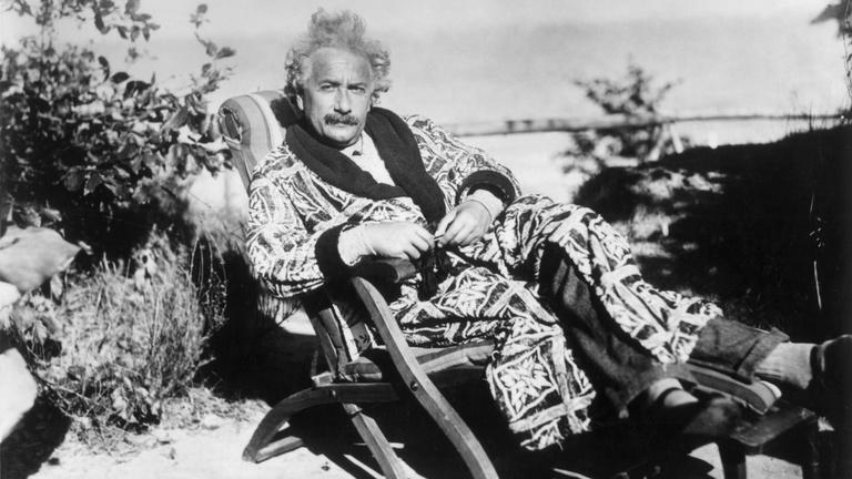 Oké, de Einstein honnan tudta?