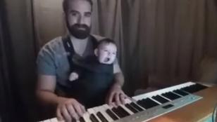 Heti menő videó: az apa, aki rögtönaltat