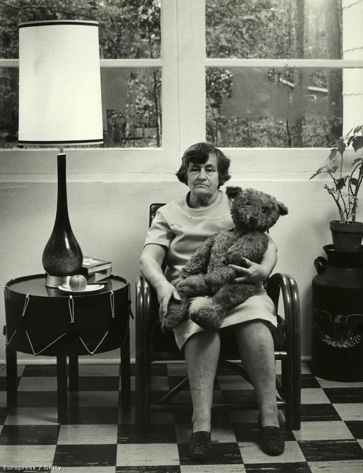 Rosemary Ritchie és a 63 éves mackója