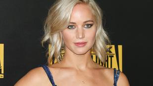 Jennifer Lawrence-et egyszer Emma Stone pátyolgatta hányás közben