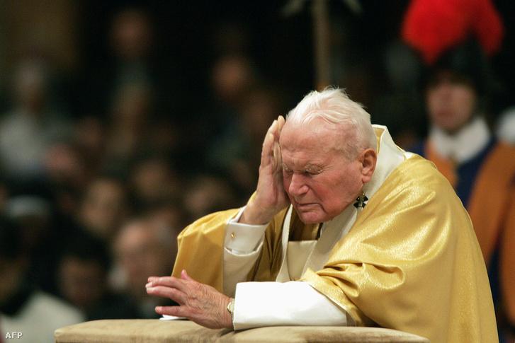 II. János Pál pápa 2004-ben