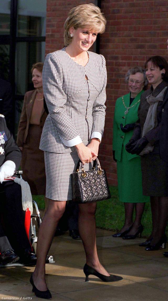 Diana hercegnő és az ő Dior táskája.