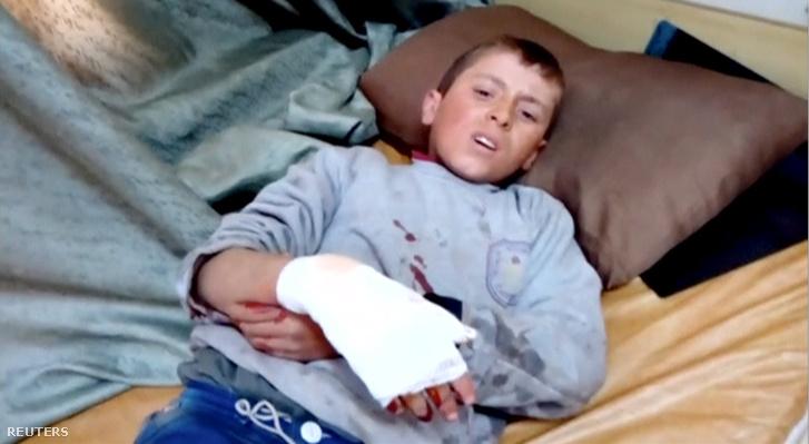 Sérült fiú Azazban