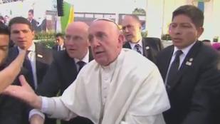 Ilyet se látott még! Ferenc pápa idegállapotba került!