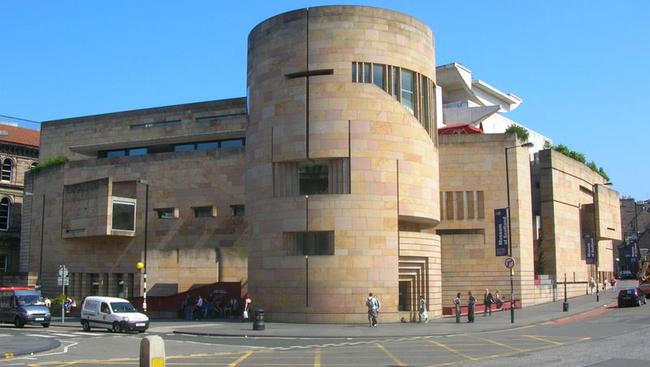 200 éves utazószettet állít ki a Skót Nemzeti Múzeum