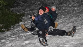 Huligánok dúrták a havat éjjel