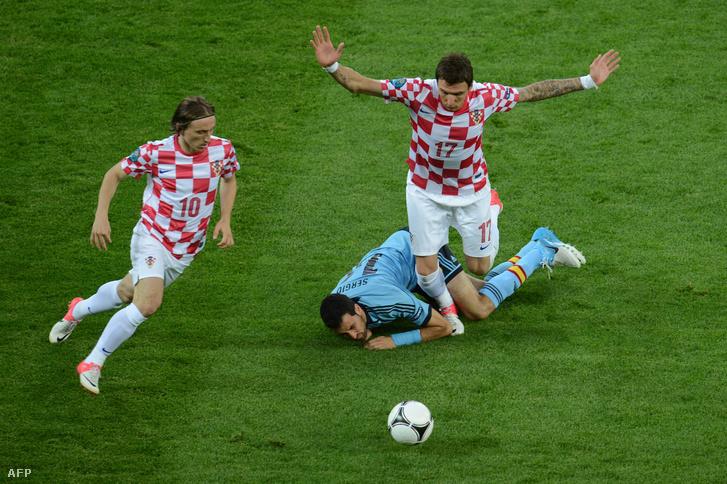 Rakitic és Modric esélyessé teheti a horvátokat