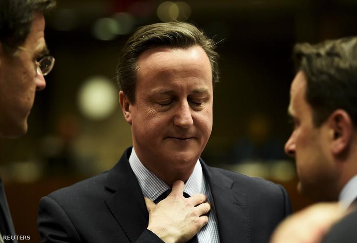 Mindenki Cameront figyeli