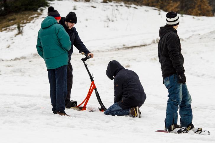 A GoPro-felszerelés elgémberedett ujjakkal nem annyira kellemes feladat. Olvad ugyan, de a hó ettől függetlenül hideg