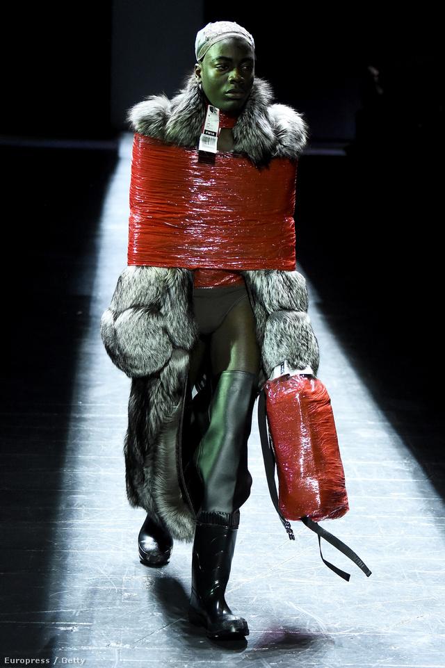 Shayne Oliver márkája, a Hood By Air pár éven belül a New York-i divathét egyik legjobban várt bemutatójává vált.