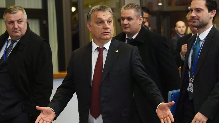 Csúnyán ráfázhat Vona, amiért megzsarolta Orbánt